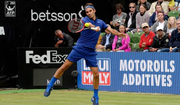 Federer impressed on the grass yet again (Photo: Getty Images/Daniel Kopatsch)