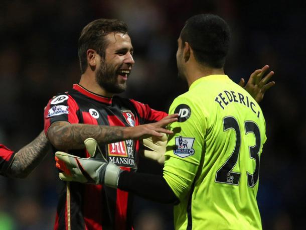 Cook celebra una victoria con Federici |Foto: BBC