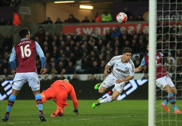 Brad Guzan's error gifted Swansea the win in Garde's final game (photo: getty)
