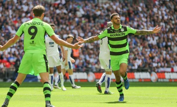 Los jugadores del Forest Green celebran un gol ante el Tranmere   Foto: FGR