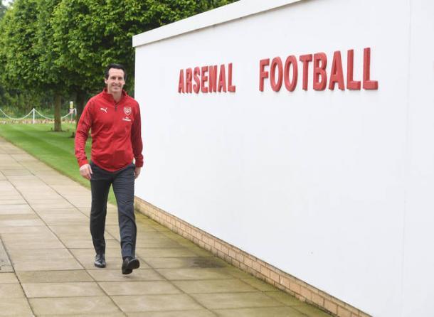 Unai Emery llegando a la ciudad deportiva del Arsenal | Fotografía: Arsenal