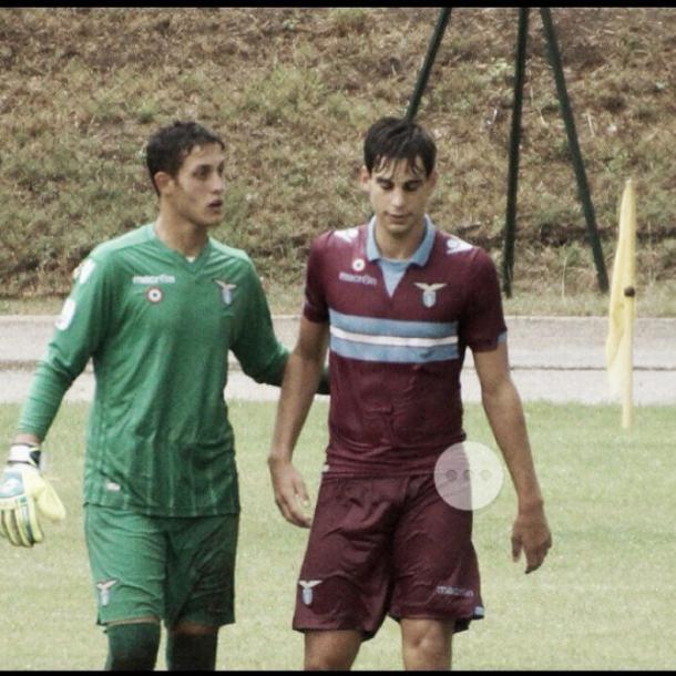 Cardelli (dcha.) junto a Luca Borrelli, actual portero del Primavera 'biancoceleste' | Foto: Lazio