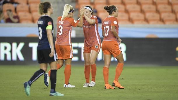 Mewis and Latsko scored to give Houston first ever win over Seattle