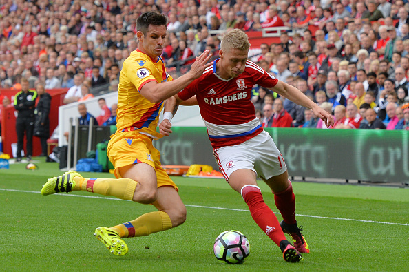 Viktor Fischer looks to make progress down the wing | Photo: Mark Runnacles/Getty Images