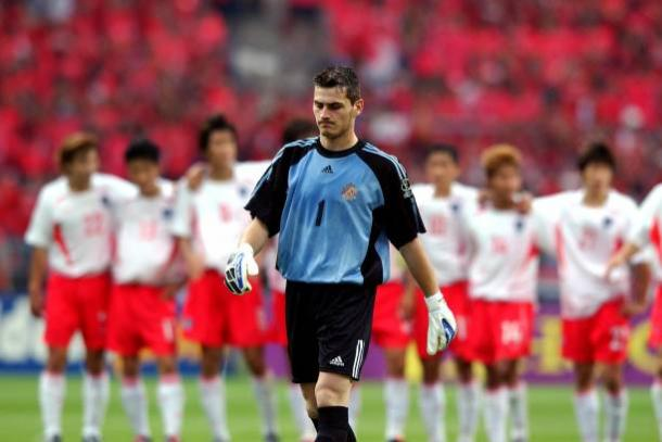 Um jovem Casillas quase chegou nas semifinais de uma Copa | Foto: Tony Marshall/Getty Images