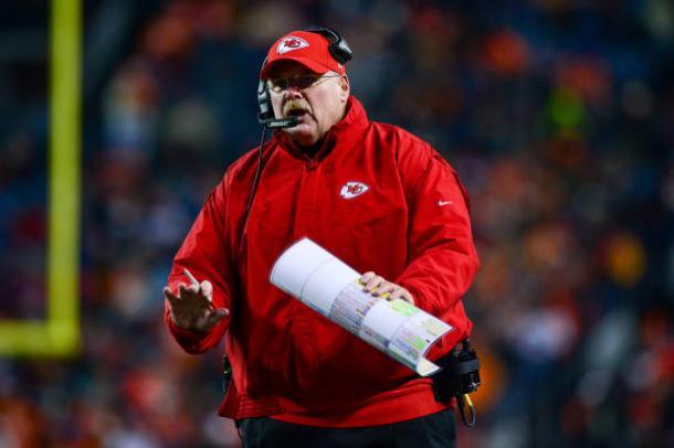 Andy Reid precisa encontrar o melhor Chiefs nos playoffs | Foto: Dustin Bradford/Getty Images
