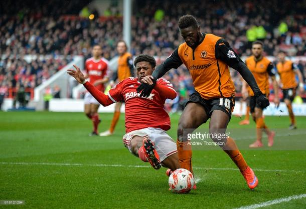 Chuba Akpom tackles Bakary Sako when the two sides met in 2015.   Photo: Andy Thompson/ActionPlus/Corbis via Getty Images