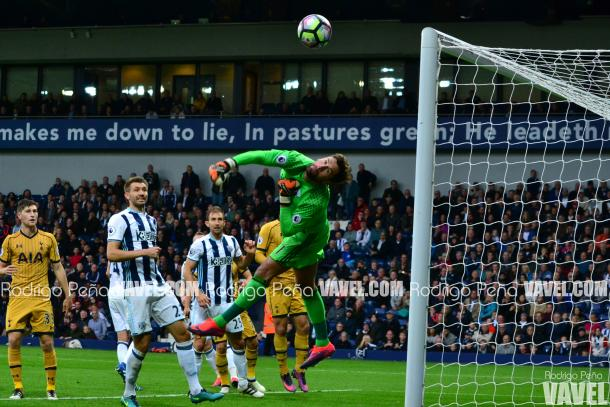 Spurs, who have struggled for goals of late, watch Ben Foster keep one out at the Hawthorns (photo: Rodrigo Pena / VAVEL)
