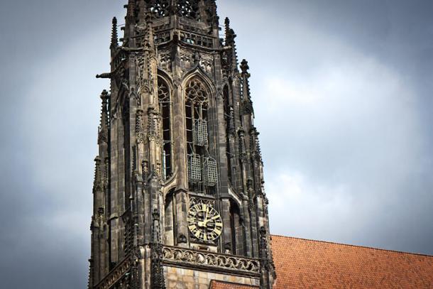 Jaulas en la catedral de San Lambert | Pinterest