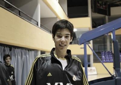 Willy con el Cadete A tras un partido en el Magariños / Fuente: FEB