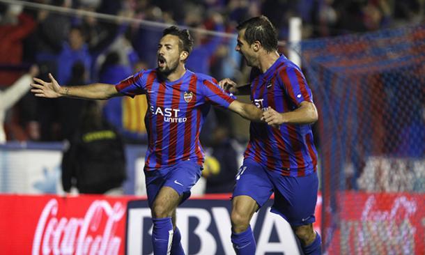 Un derbi es siempre especial y el de la temporada 2014/15 se decantó de lado de un Levante que con el gol de Morales superó por 2 a 1 al Valencia CF / Fuente: Levante Web Oficial