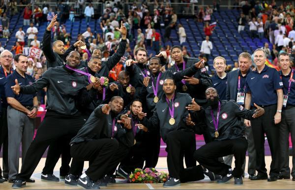 Time masculino também foi dominante e levou mais uma medalha para casa (Foto: Getty Images)
