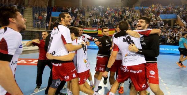 Jugadores del Naturhouse celebrando la victoria contra el Montpellier en la primera vuelta