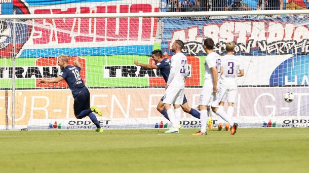 Heidenheim celebrate what proved to be the only goal | Photo: MDR/Picture Point