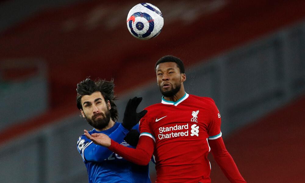 Wijnaldum y André Gomes disputando un balón aéreo / Foto: Liverpool