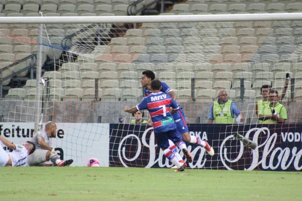 Gustavo comemora seu primeiro gol   Foto: Leonardo Moreira/Fortaleza EC