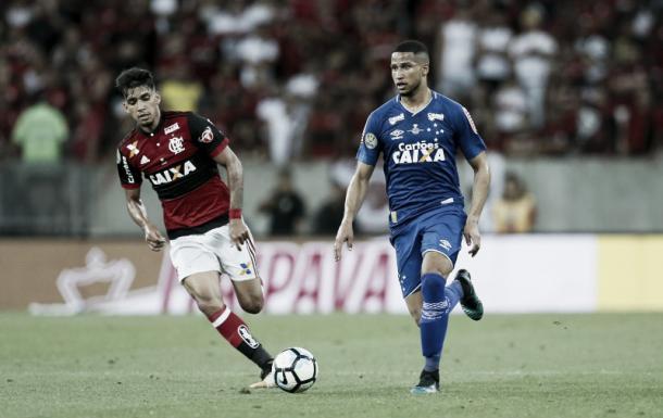 O jovem zagueiro na primeira partida da final da Copa do Brasil (Foto: Rafael Ribeiro/ Light Press)