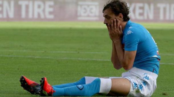 La disperazione di Gabbiadini, dopo l'ennesima scialba prestazione - Foto Gazzetta dello Sport