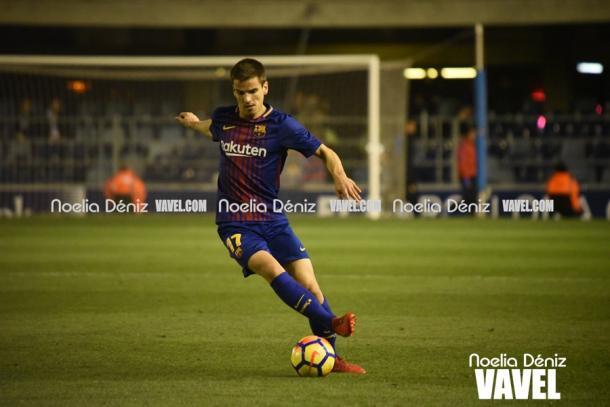 Ruiz de Galarreta en acción durante el FC Barcelona B 2-1 Sporting / Foto: Noelia Déniz (VAVEL.com)