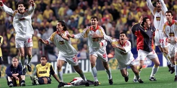 El Galatasaray se proclama campeón de la Copa de la UEFA en Copenhague   Fuente: UEFA