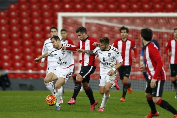 Aketxe jugando su primer partido con el Bilbao Athletic esta temporada. | Foto: Athletic Club