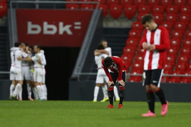 Los jugadores del Albacete celebran el gol de la victoria mientras los del Athletic se lamentan. | Foto: Athletic Club