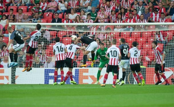 Kharatin anota el 0-1 en el choque de la primera vuelta.   Foto: Athletic.