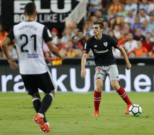 Iñigo Cordoba en el partido de ida frente al Valencia CF.   Foto: Web Athletic Club