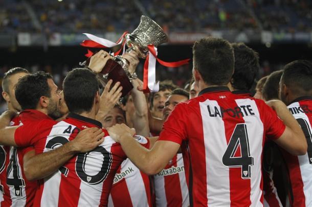 Los leones celebrando la Supercopa de España | Foto: Athletic.