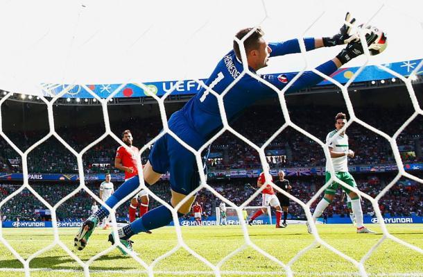 Hennessey disse que não ao golo de Ward ainda na primeira parte | Foto: Facebook UEFA euro 2016