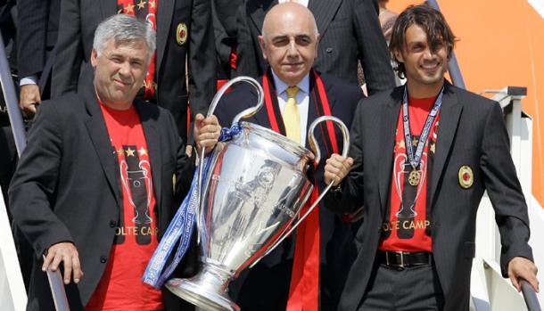 Carlo Ancelotti, Adriano Galliani e Paolo Maldini dopo la vittoria della Champions League 2007- Calcio Fanpage