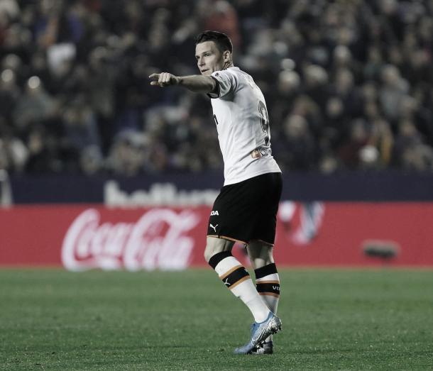 Kevin Gameiro pone por delante al Valencia./ Foto: LaLiga