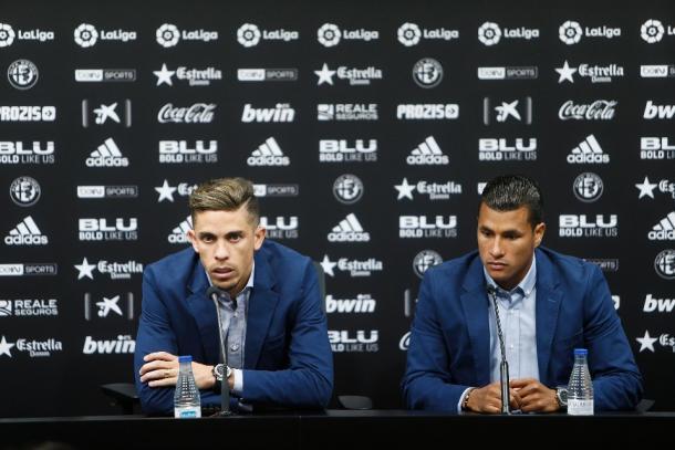 Paulista y Murillo durante la rueda de prensa | Fuente: valenciacf.com