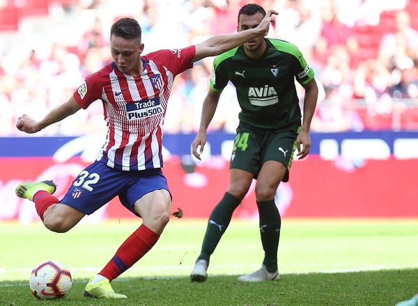Borja Garcés disparando a puerta en lo que supuso un agónico empate en el encuentro de la pasada campaña. Foto: Web Oficial Atlético de Madrid