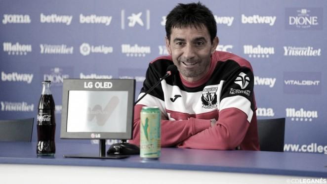 Asier Garitano en rueda de prensa. / Foto: CD Leganés.