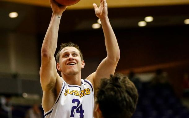 Mathews goes up for a shot during Lipscomb's win over Stetson/Photo: Lumination Network website