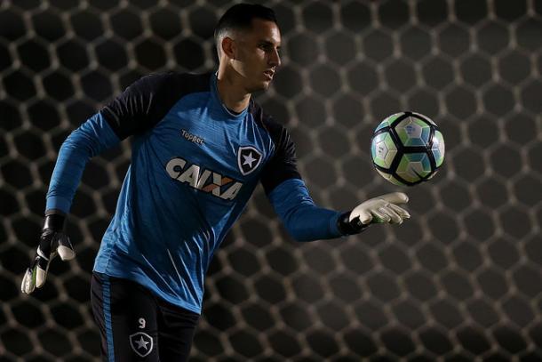 Gatito está pronto para reassumir a meta alvinegra (Foto: Vitor Silva/SS Press/Botafogo)
