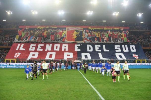 El 'tifo' de la afición del Genoa en el último derbi. / Foto: Gettyimages