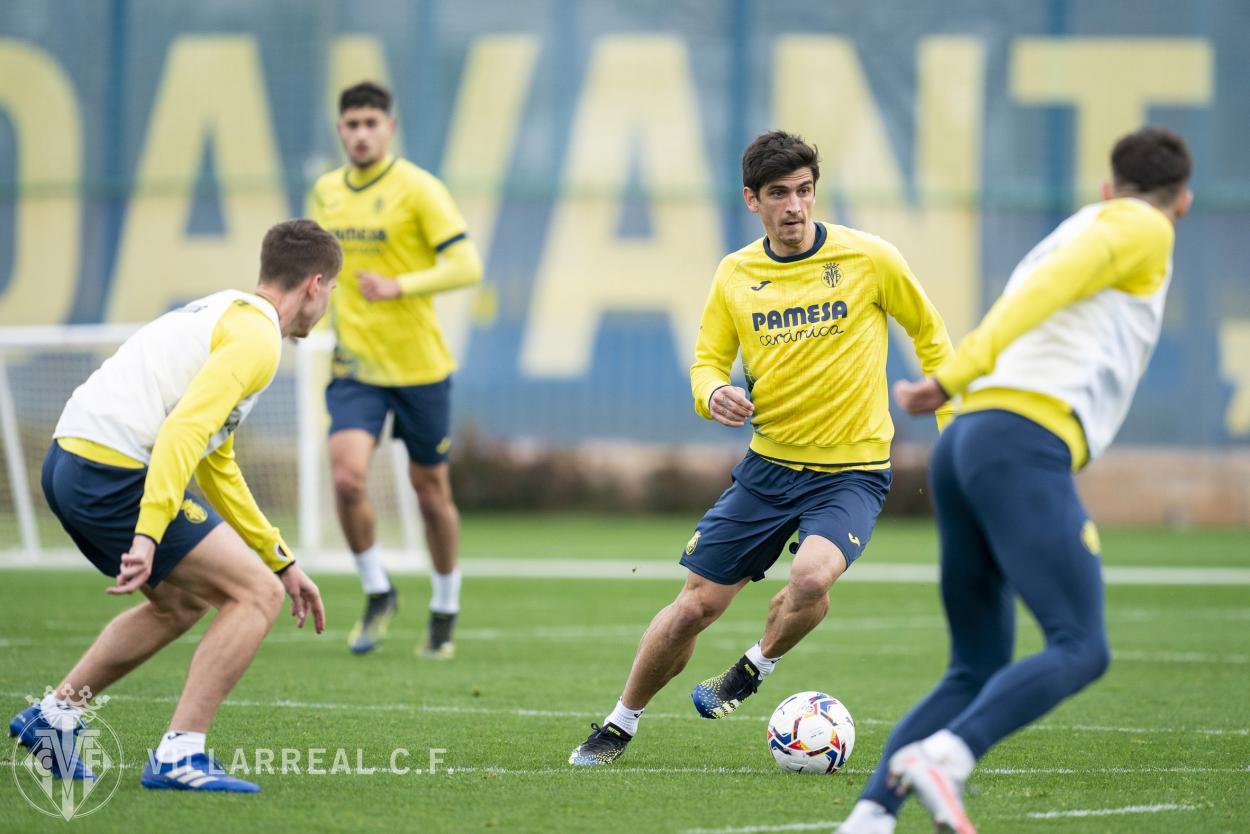 Gerard Moreno y sus compañeros en el entrenamiento   Foto: Villarreal C.F
