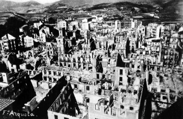 Gernika después del bombardeo | Museo de la Paz de Gernika