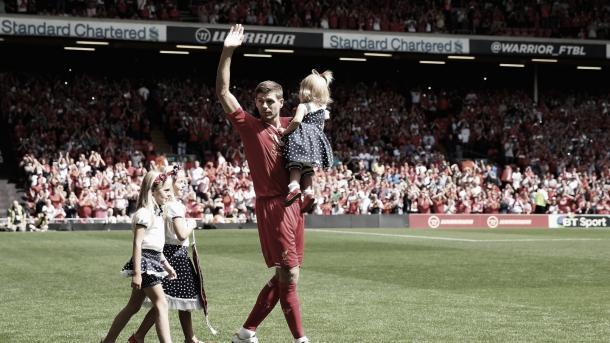 Homenaje a Steven Gerrard./ Foto: FIFA.com