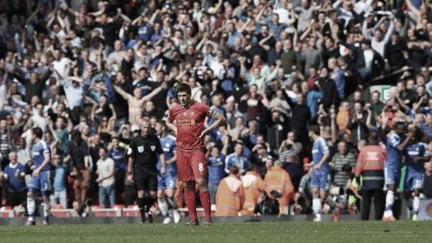 La imagen de la soledad de Steven Gerrard./ Foto: Premier League