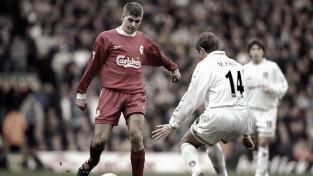 Steven Gerrard vs Leeds./ Foto: Premier League