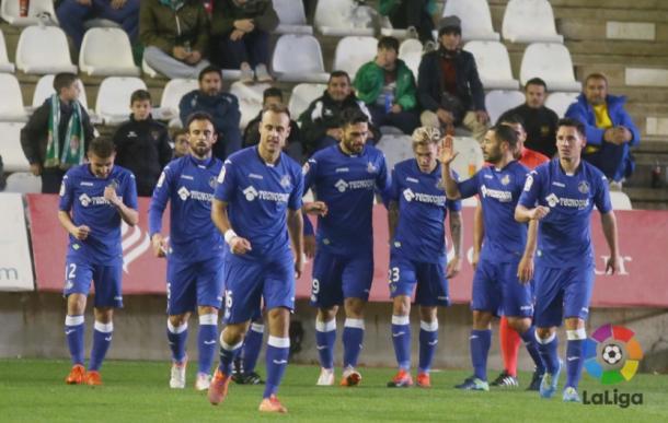 Jugadores del Getafe en el último partido como visitante ante el Córdoba.   Foto: La Liga