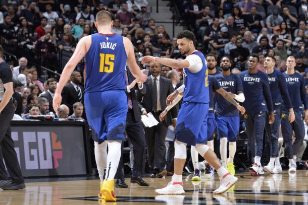 El hombre récord se lleva todas las felicitaciones. Foto: NBA