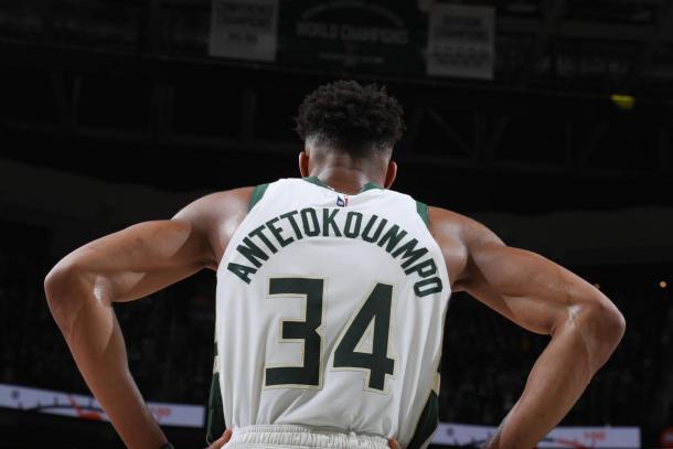 Giannis busca su primer anillo dorado y además pelea por ser el MVP de la temporada. Foto: NBA.