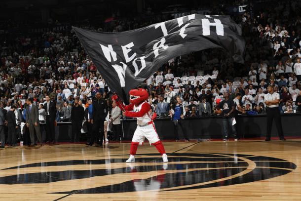 Mascota de los Raptors   NBA