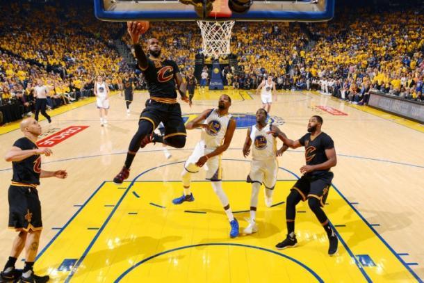 Golden State Warriors sagra-se campeão da NBA — Basquetebol