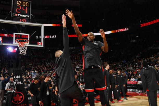 Valanciunas e Ibaka   NBA