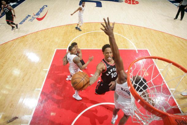 DeRozan foi o destaque do jogo com 23 pontos (Foto: Getty Images)